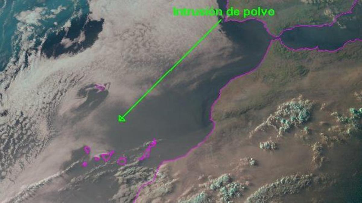 Llegada del humo de los incendios forestales de Norteamérica al noroeste de las Islas