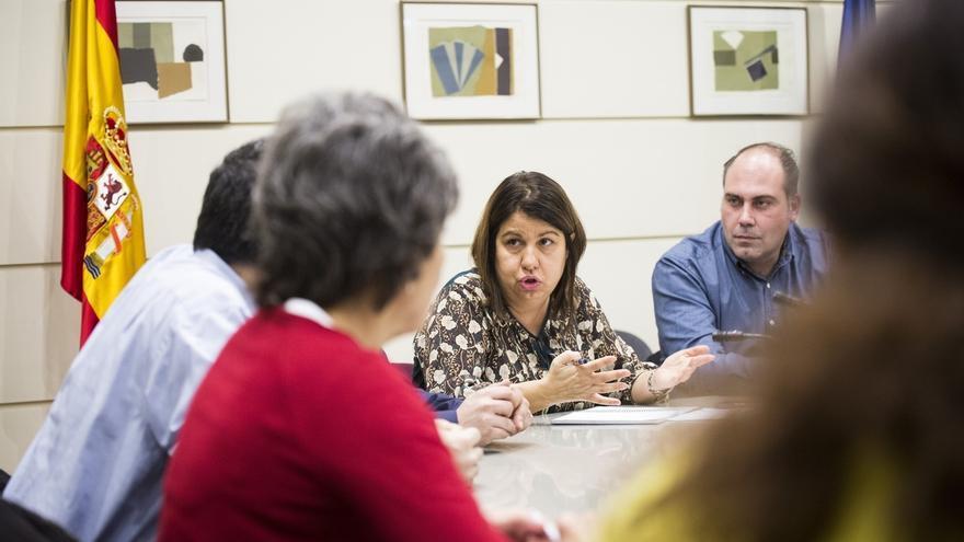 Senadores y diputados de Unidos Podemos se reúnen con integrantes del Círculo Cannábico en el Senado