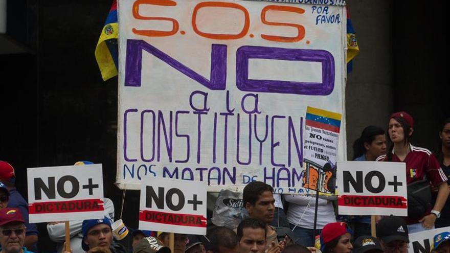 """Opositores venezolanos inician la concentración """"somos millones"""" en todo el país"""
