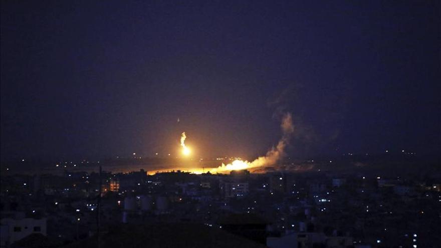 Una explosión provocada por un ataque israelí en Ciudad de Gaza.