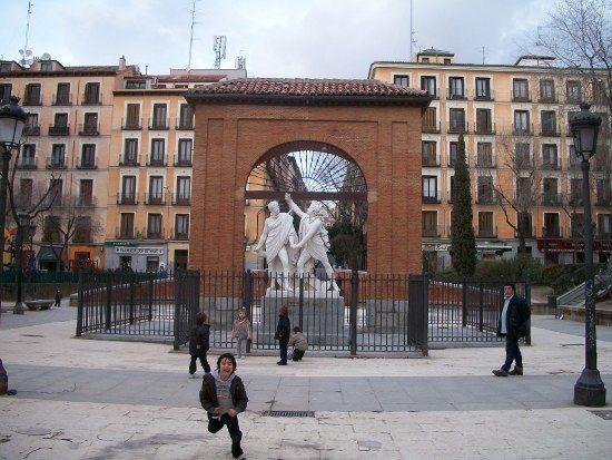 Plaza el Dos de Mayo
