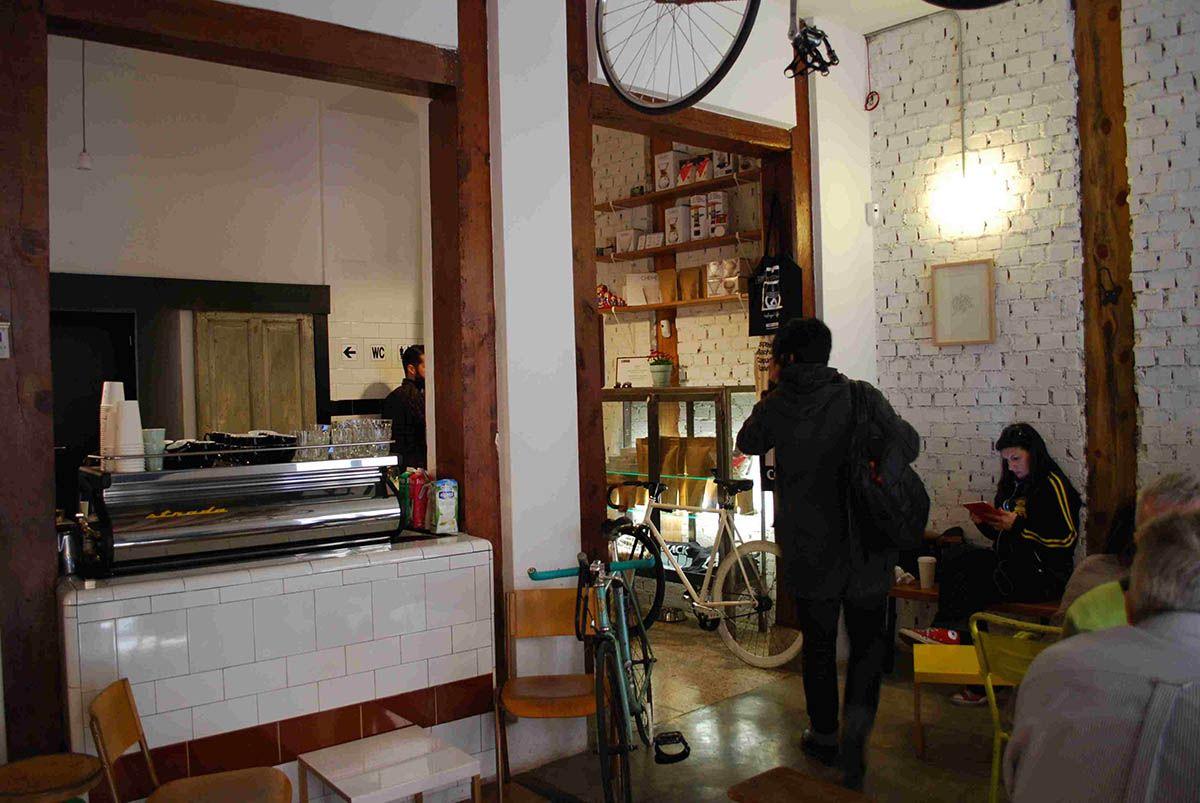 Local_Malasaña a mordiscos_Toma café