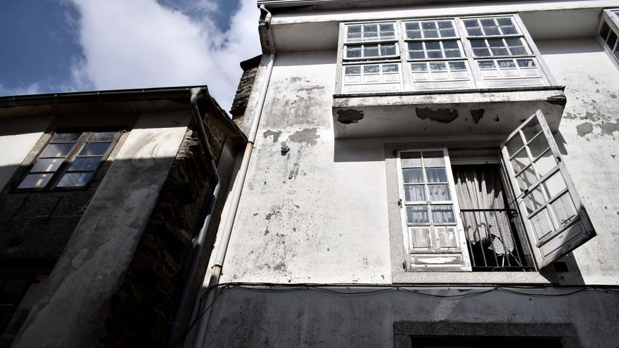 Ventanas y balcones.