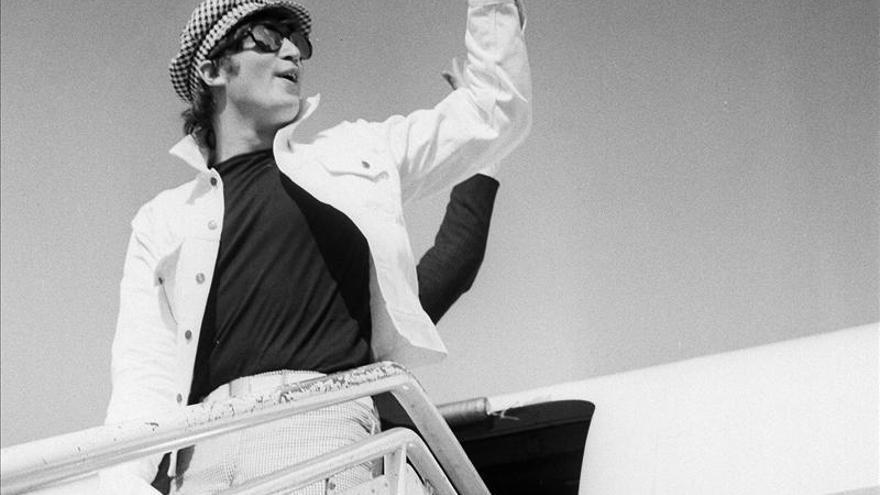 El biógrafo de los Beatles dona canciones de Lennon a la Biblioteca Británica