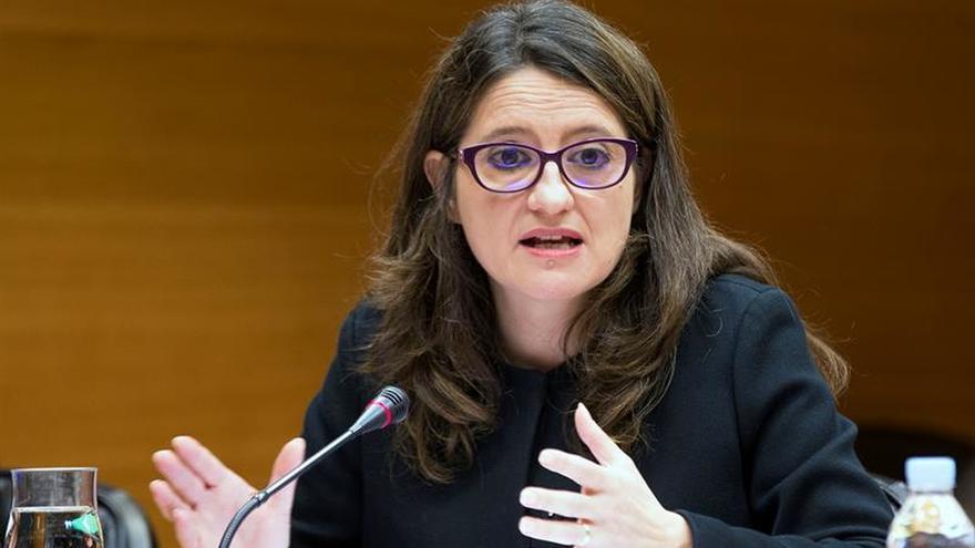 Oltra no ve a Cataluña fuera de España pero pide al Gobierno altura de miras