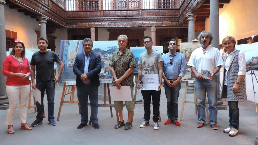 El jurado del X Concurso de Pintura Rápida 'Francisco Concepción' con los ganadores del certamen.