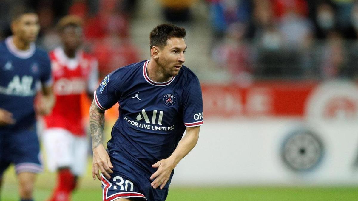 Lionel Messi jugó pocos minutos oficiales con la camiseta del PSG.