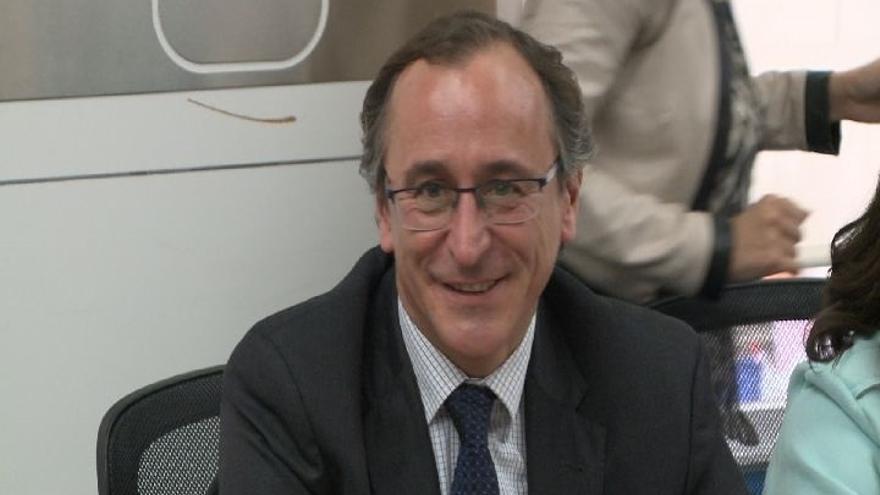 """Alonso (PP) cree que la reforma fiscal es """"mala"""" para Euskadi, perjudica a las empresas y castiga a las familias"""