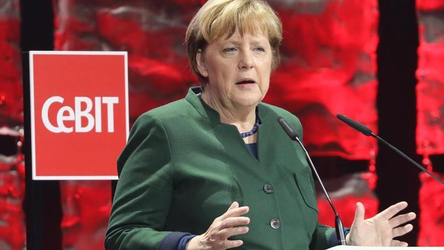 Merkel y Schulz miden sus fuerzas en el primer test electoral del año