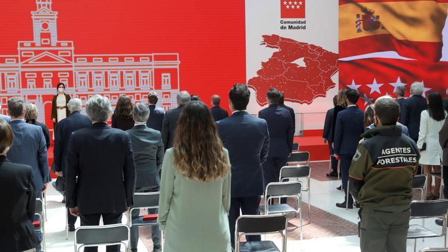 Premiados en el Dos de Mayo recogen sus condecoraciones en la Puerta del Sol
