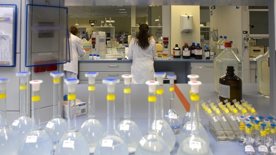 Los resultados de los cultivos de casos sospechosos de listeria en Cuenca tardarán seis días en conocerse