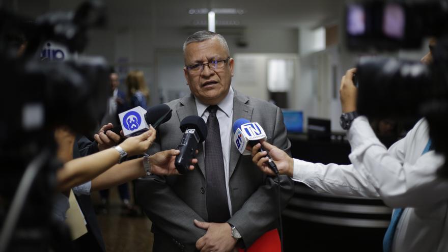 El rector de la Universidad de El Salvador denuncia la reducción de fondos para 2021