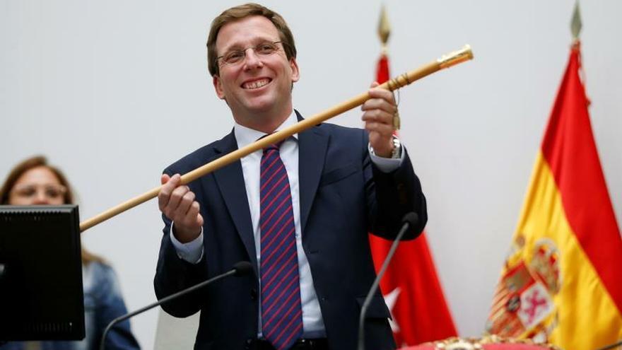 Almeida, proclamado alcalde de Madrid con el apoyo de Cs y Vox