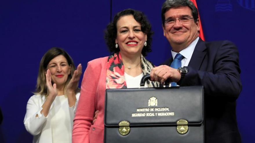Escrivá se compromete a subir las pensiones con el IPC y a acabar con el déficit