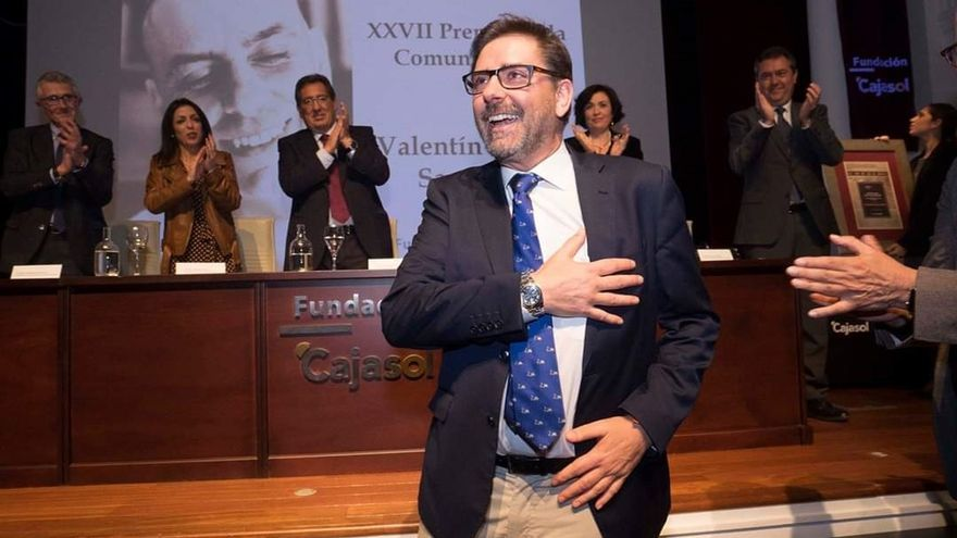 Espadas anuncia la nominación de un jardín de Triana en memoria de Valentín García y su lucha contra el cáncer