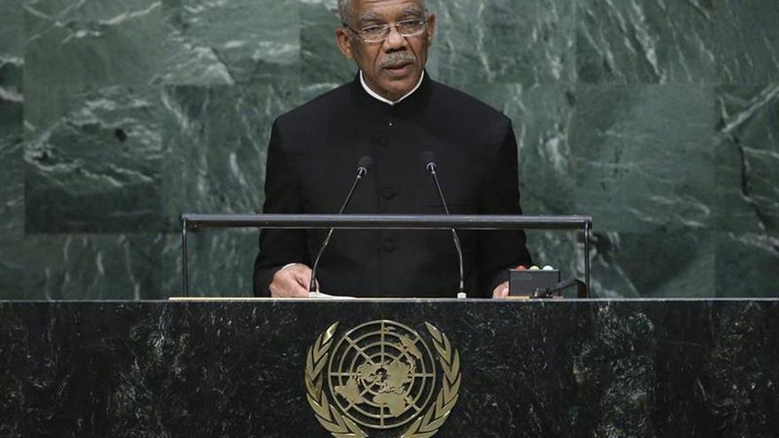 Ministro confirma que se investiga trama para asesinar a presidente de Guyana
