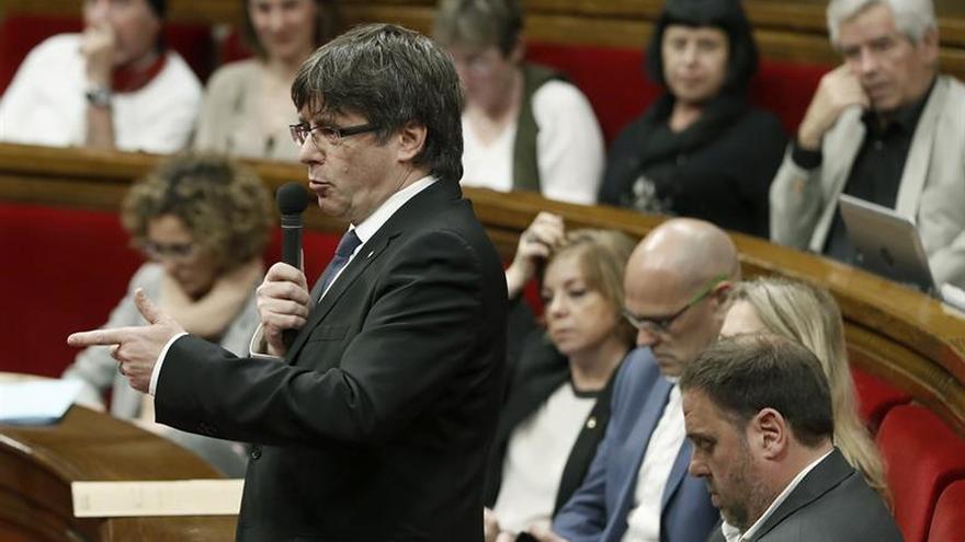 Puigdemont evita fijar la fecha y pregunta de un referéndum que desea acordar