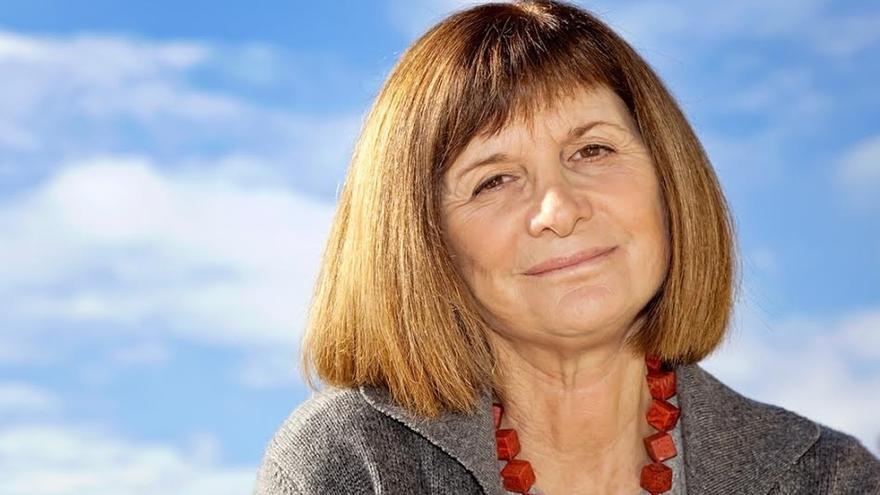 Alicia Giménez Bartlett protagoniza este viernes una nueva edición de 'Diálogos de medianoche' en Civican