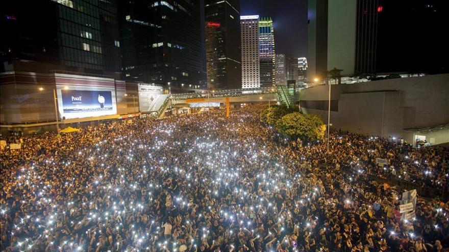 China suspende por una semana los viajes turísticos en grupo a Hong Kong