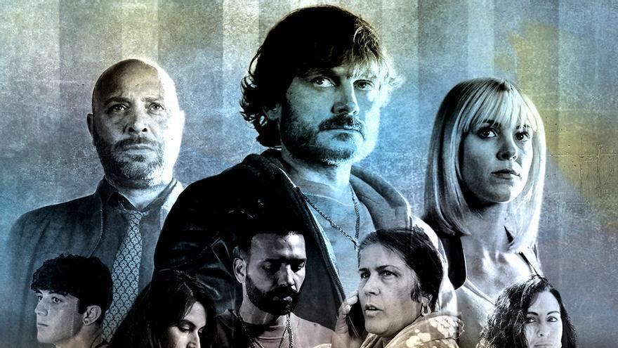 Póster oficial de 'Malaka', el thriller policíaco de TVE con Maggie Civantos y Salva Reina