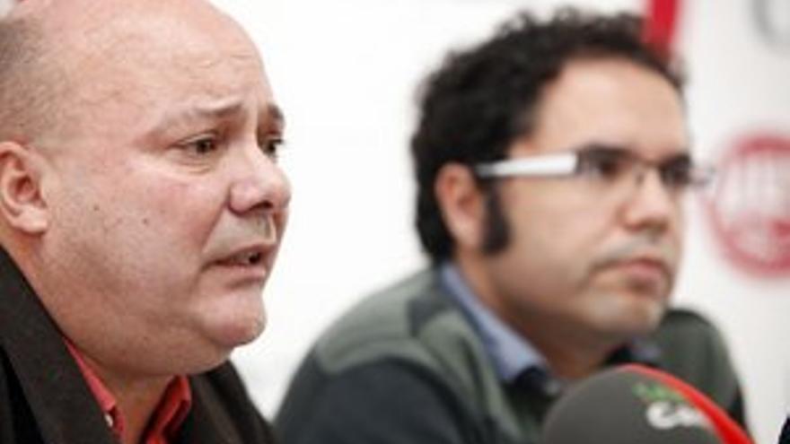 Juan José Arteaga y Gustavo Santana, secretarios generales de CCOO y UGT en Canarias. (ACFI PRESS)