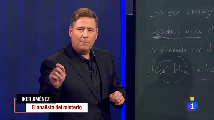 Carlos Latre imitando a Iker Jiménez en 'La Pr1mera pregunta'