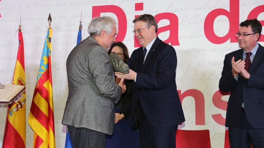 El president Ximo Puig durante la celebración del Día de la Constitución en Alicante