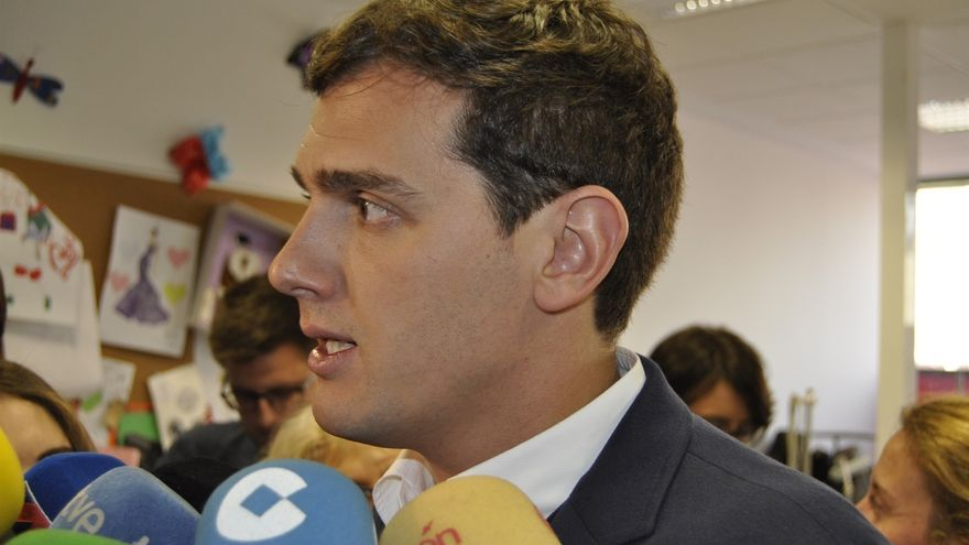 """Rivera (Cs) no descarta """"ninguna"""" solución en Murcia si el PP no plantea un candidato a la Presidencia """"limpio"""""""