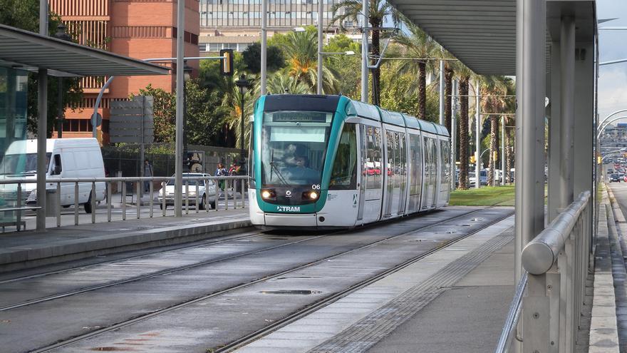 El TramBaix a l'avinguda Diagonal