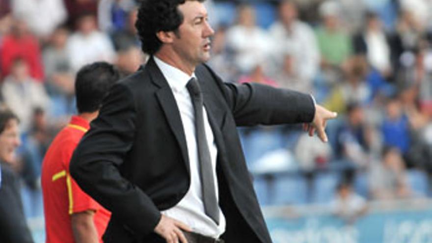 Mandía, entrenador del CD Tenerife.