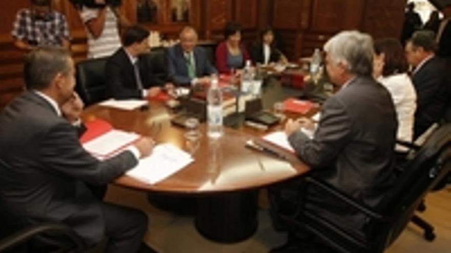 Primera reunión del Consejo de Gobierno.