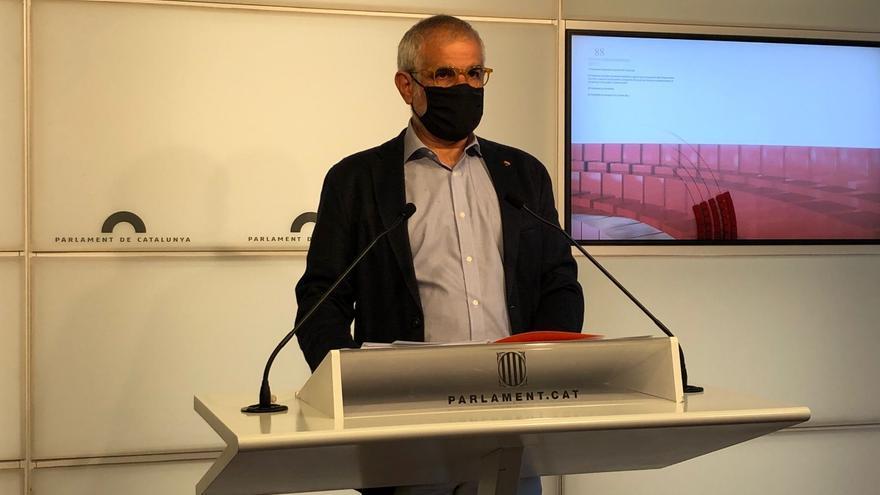 El líder de Cs en Catalunya, Carlos Carrizosa, en rueda de prensa en el Parlament el 29 de junio de 2021.