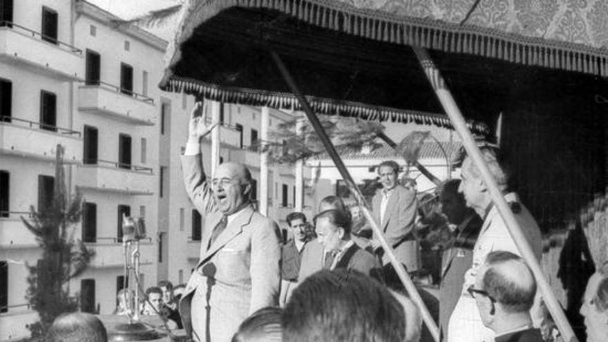 La Guerra Civil dio paso a la Dictadura Franquista.