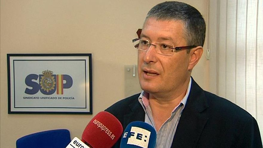 """El Sindicato policial CEP pregunta """"qué le parecería al ministro que le orinaran encima"""""""