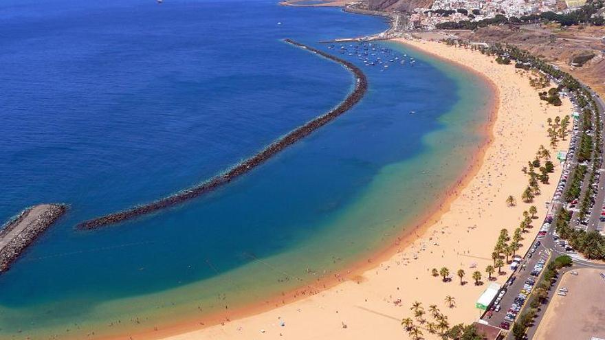 Vista de la Playa de Las Teresitas, en Santa Cruz de Tenerife.