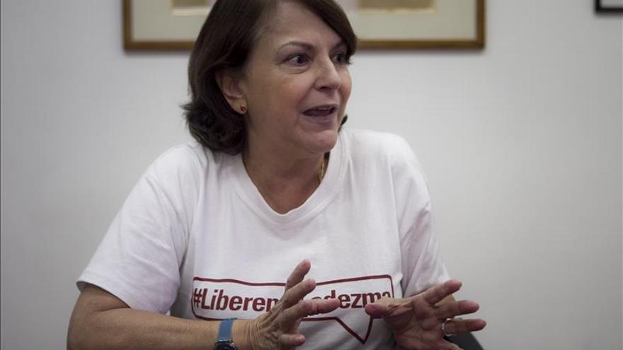 """Esposa de Ledezma dice que el alcalde está """"muy fuerte y con enorme espíritu"""""""