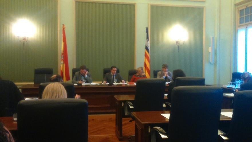 Matas, Bárcenas, Castillo, Cirer, Antich y Vicenç deberán comparecer en la comisión de investigación de Son Espases
