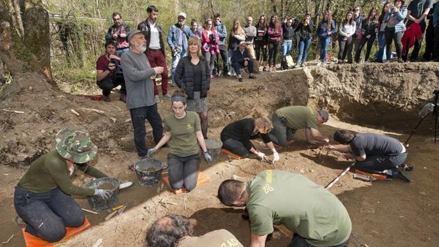 Un momento de las exhumaciones.