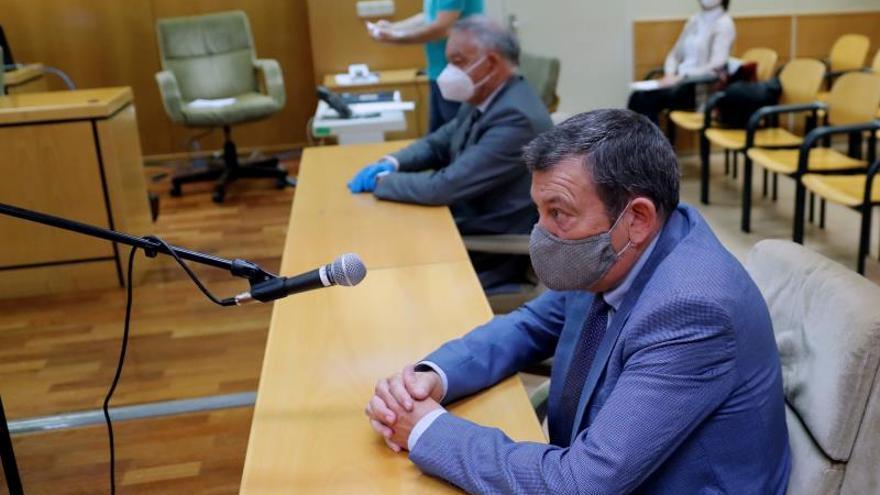 Los dos acusados en el caso 'pendrive', Bonifacio Díez Sevillano (en primer plano) y Eugenio Pino