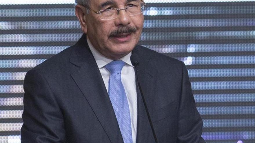 El presidente dominicano designa nuevo embajador en Chile