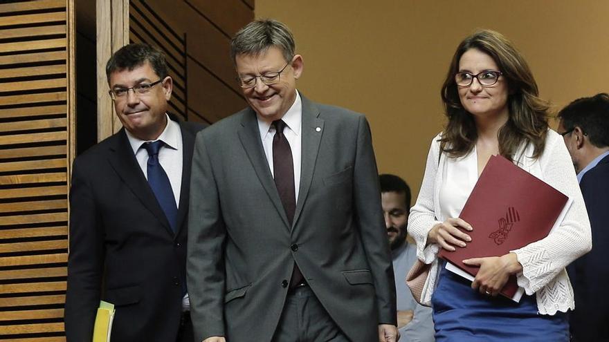 Enric Morera, Ximo Puig y Mónica Oltra en les Corts