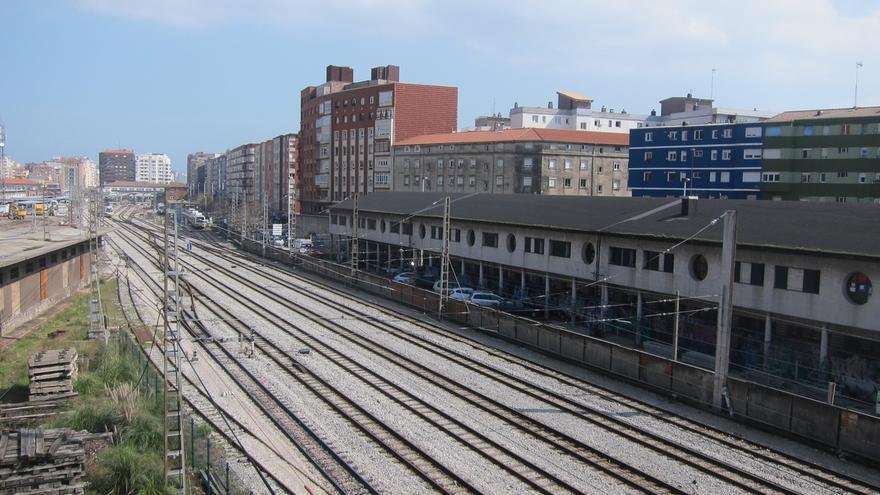 Adif licita el proyecto de duplicación de vía del tramo Torrelavega-Santander