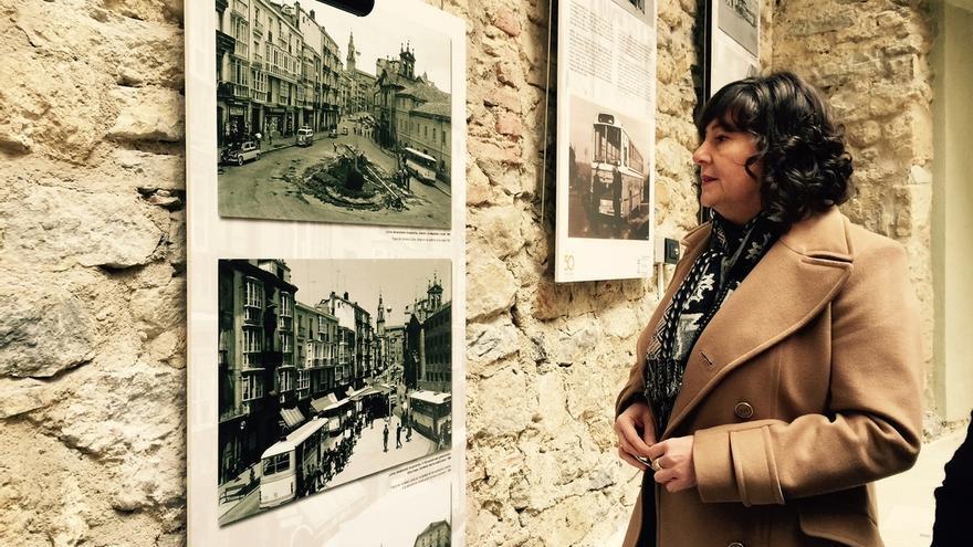 Visitantes de la exposición 50 aniversario de Tuvisa recibirán un calendario con la historia de los autobuses de Vitoria