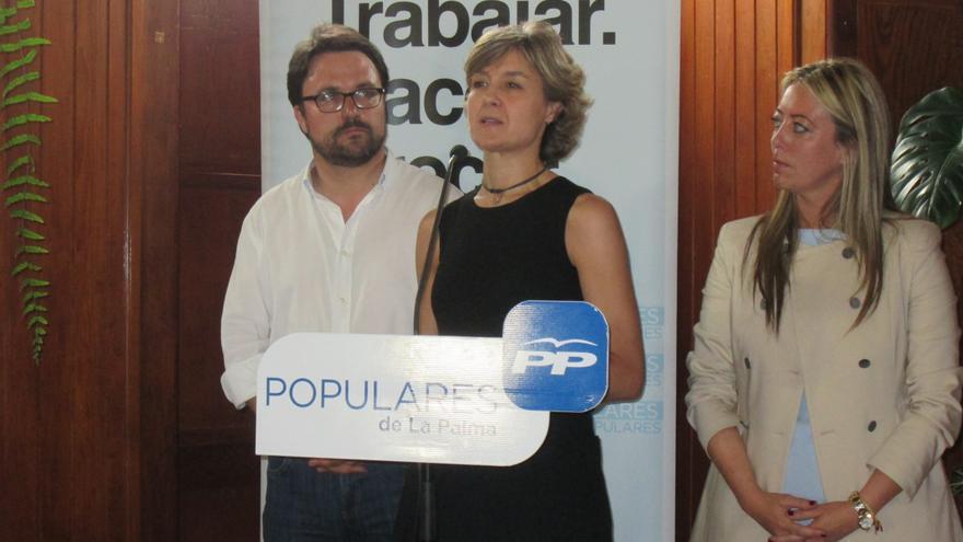 García Tejerina se dirigió al sector agrario y a simpatizantes del PP. Foto: LUZ RODRÍGUEZ.