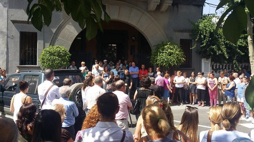 Minuto de silencio en Santa Brígida tras la muerte de Jane Railton