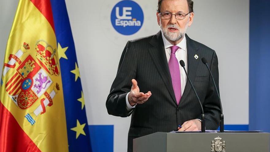 Rajoy aboga por más pedagogía en vez de más leyes ante la reivindicación del 8M