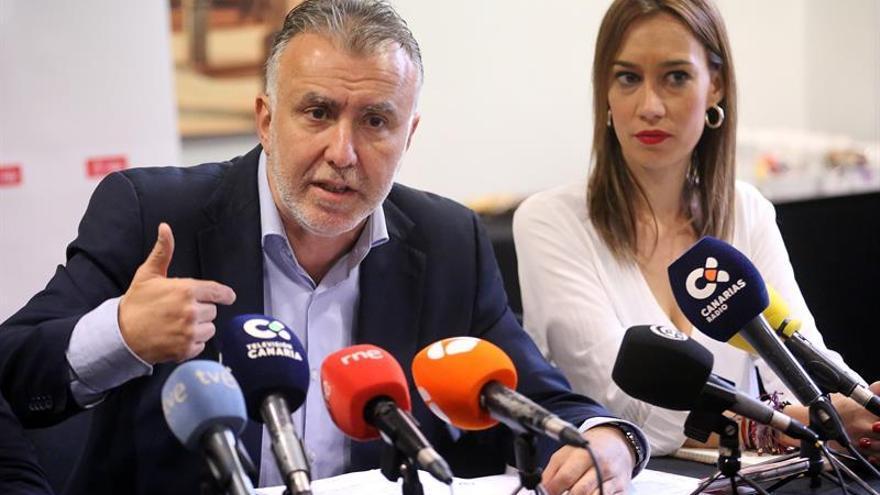 Ángel Víctor Torres, secretario regional del PSOE, este jueves en su cita con los medios, en Santa Cruz de Tenerife