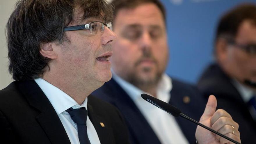 Puigdemont difunde la nueva web del 1-O para esquivar el cierre de la Guardia Civil
