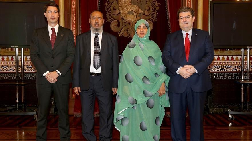 Aburto recibe a la alcaldesa de Nouakchott (Mauritania) para buscar inversiones y atraer turismo a Bilbao
