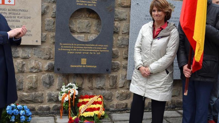 """Delgado deja un homenaje en Mauthausen al citar la Generalitat a """"presos políticos"""""""
